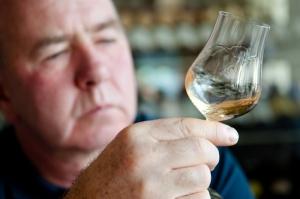 Whisky-Magazine-Glass-Testing