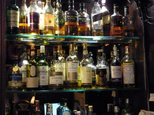 Duck's Inn whisky bar