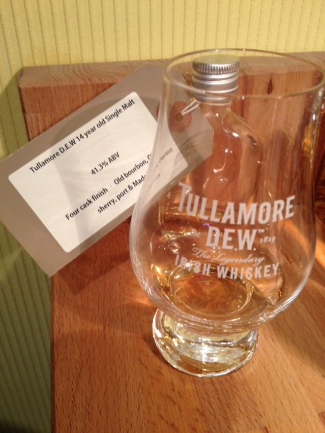 Tullamore-DEW-14-Years-Old-The-Whiskyphiles