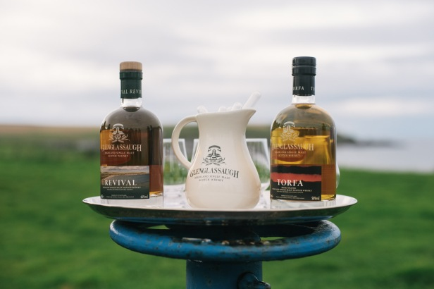 Glenglassaugh - Tasting in front of distillery of Revival and Torfa