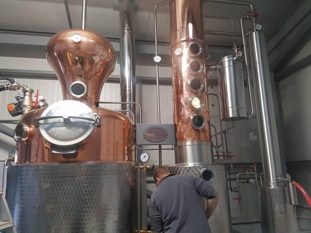 Henstone distillery still 1