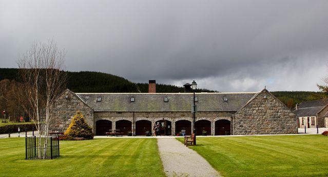 royal_lochnagar_distillery